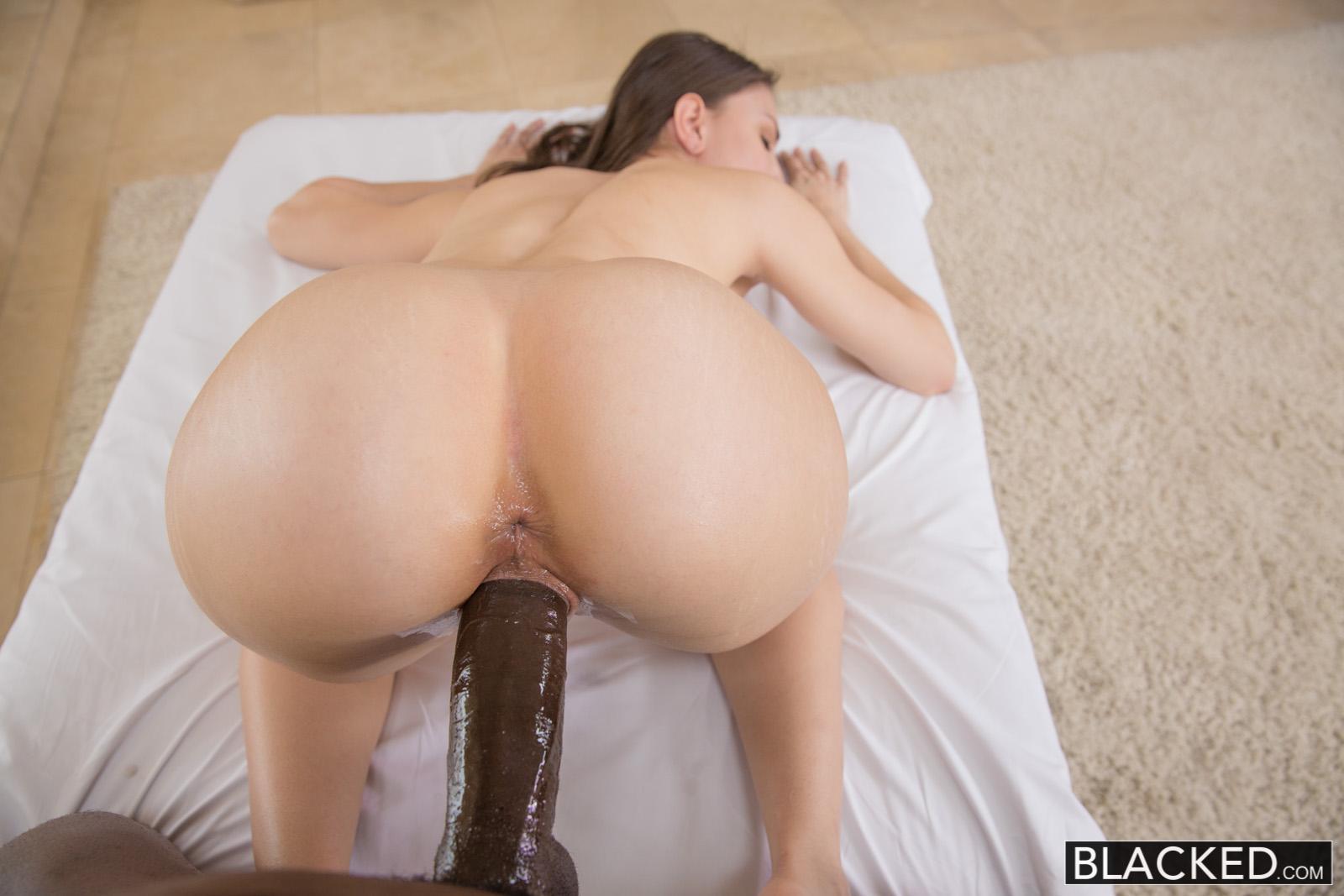 Latina Amateur Alexis Rodriguez Has An Unbelievable Ass